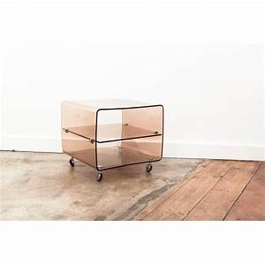 Table Basse En Plexiglas : table de chevet en plexiglas range vinyles roche ~ Teatrodelosmanantiales.com Idées de Décoration