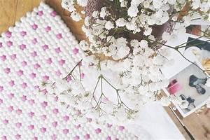 crush les tapis en laine feutree de tapis de boules With faire un tapis en boule de feutre