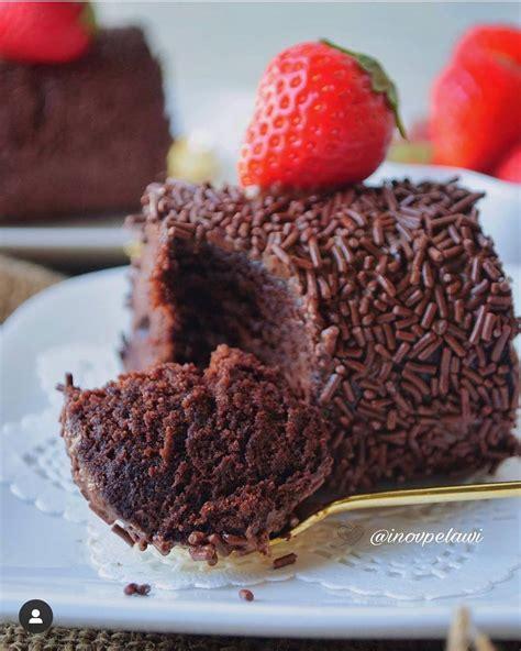 Sejumlah resep cake seperti cake pisang, cake coklat atau cake tape adalah salah satu jenis cake yang banyak disukai. Resep dan Cara Membuat CAKE COKLAT KUKUS PUTIH TELUR Lezat, Renyah, Manis dan Terbaru - Resep ...