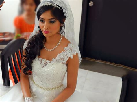 Wedding Accessories For Christian Bride : Indian Wedding Dresses For Bride