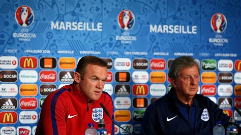Roy Hodgson and Wayne Rooney plead with England fans to ...