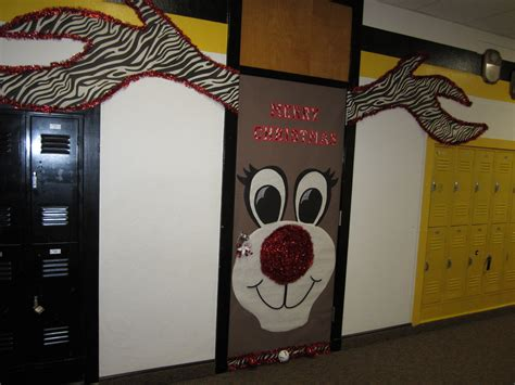 17 christmas door decorating contest ideas winter