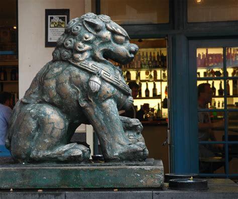 Charme Wie Bezaubert by Sydney Chinatown Bezaubert Mit Fern 246 Stlichem Charme