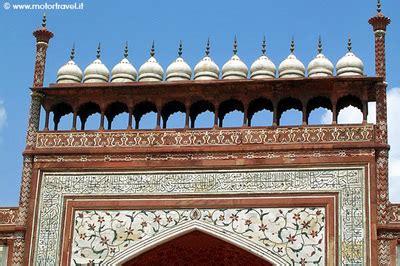 Consolato Indiano Roma by India Il Taj Mahal E La Citt 224 Imperiale Di Agra Motortravel