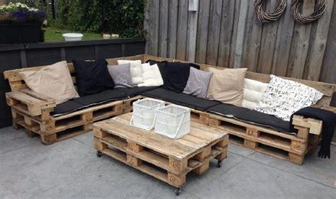canapé avec palette bois comment fabriquer salon de jardin en palettes en bois