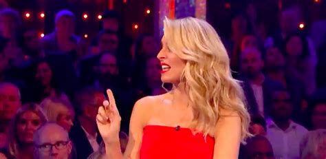 Tess Daly caught in embarrassing exchange live on air ...