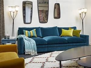 Coup de coeur pour le canape en velours bleu rise and shine for Tapis chambre bébé avec canapé design velours