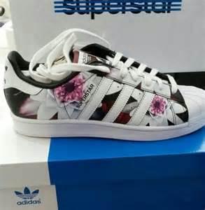 Flower Adidas Superstar