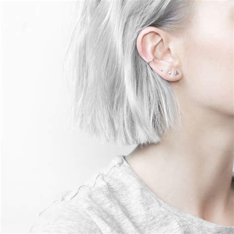 piercing oreille conch minimal 4 earring set l o o k i n s p i r a t i o n piercing oreilles bijoux