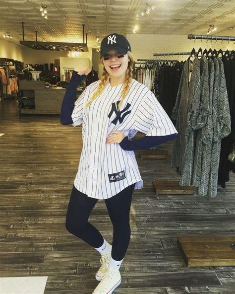 Yankees costume #baseball #halloween | Mine | Pinterest | Ideas Football players and Hoco dresses