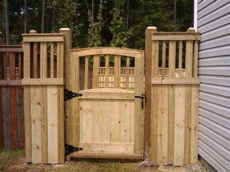 Fence - Gate : Mid-size Fences