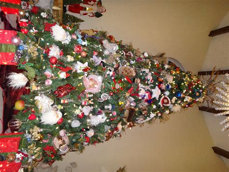 decorated christmas tree contest