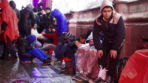 chambre d h el pour une apres midi après une nuit dehors dans le froid les afghans quittent mons