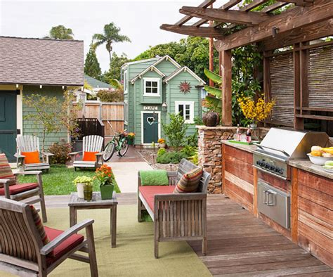 Outdoor Spaces : Ideas For Functional Outdoor Spaces