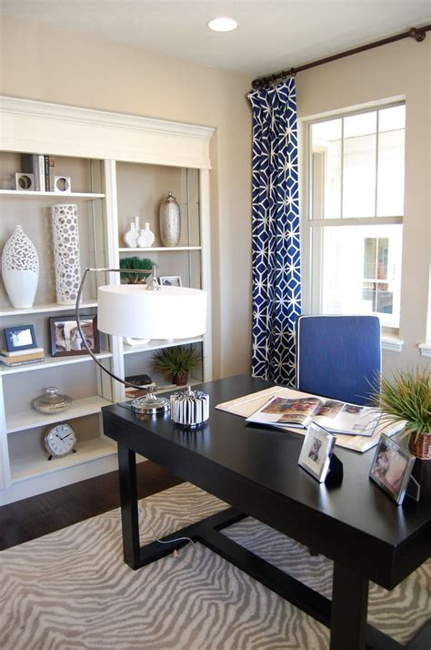 ways  convert  small bedroom   gorgeous office