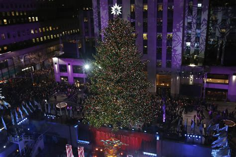 rockefeller center lights christmas tree