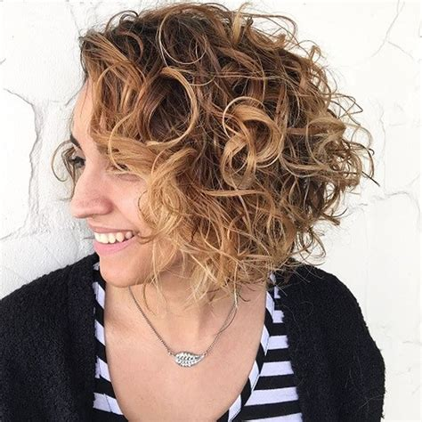 Curl Bob Hairstyle by Asymmetrical Curly Hair Styles 2018 2019 Bob