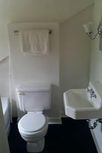 Leaking toilet shut off valve shut off valve high speed for Leak in upstairs bathroom