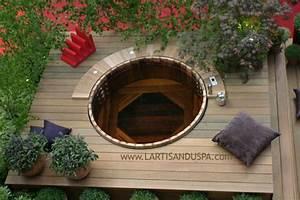 Spa Bois Exterieur : spa en bois en c dre rouge sur une terrasse en ville a ~ Premium-room.com Idées de Décoration