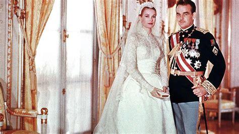 miranda kerrs wedding gown  inspired   classic