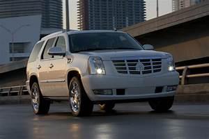 2009 Escalade Hybrid Achieves 25  Fuel Economy Consumption