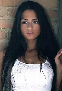 Antoinette Kalaj - Oyuncu - TurkceAltyazi.org