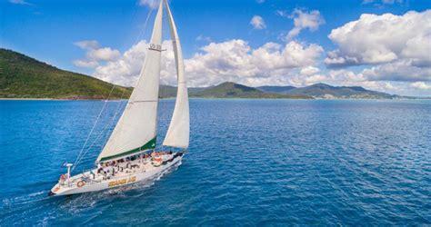 spank  whitsundays sailing adventure rtw backpackers