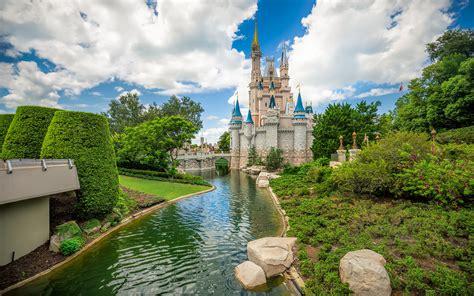 Cinderella's Castle In Disneyworld Orlando Usa 4k Ultra Hd