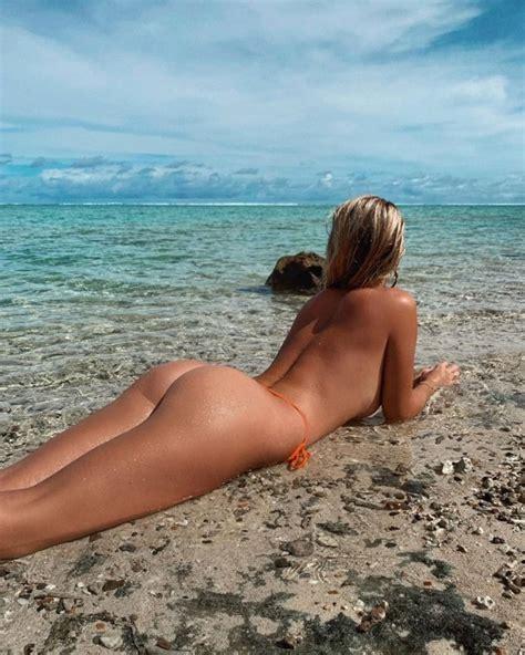 40 Sexy Girls In Tiny Bikinis Barnorama
