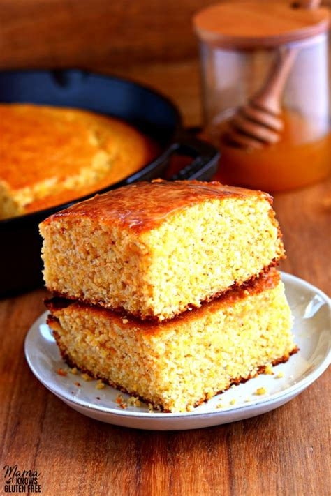 If you enjoy a sweet and moist corn bread, you will like this recipe. Cooking Corn Bread With Corn Grits - It's just right, as ...