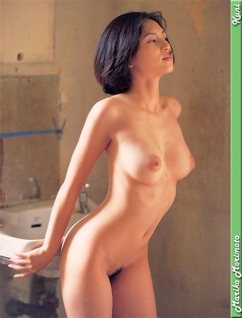 Japanese Gravure Idol Mariko Morimoto