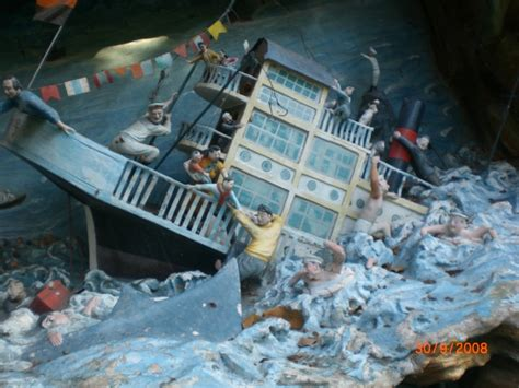 Titanic Movie Boat Sinking Scene by Titanic Sinking Scene
