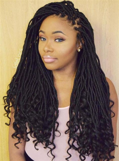 Hairstyles For Locks by 40 Fabulous Funky Ways To Pull Faux Locs In 2019