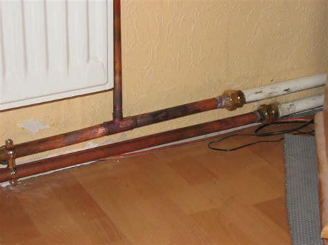 cache tuyau radiateur cache tuyau radiateur cache tuyau chauffage cache tuyau radiateur finest goulotte cache tuyau