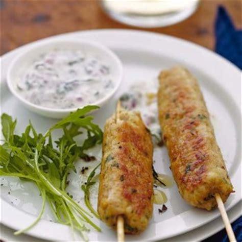 cuisine et vins de recette recette keftas de dinde épicée sauce yaourt à la menthe