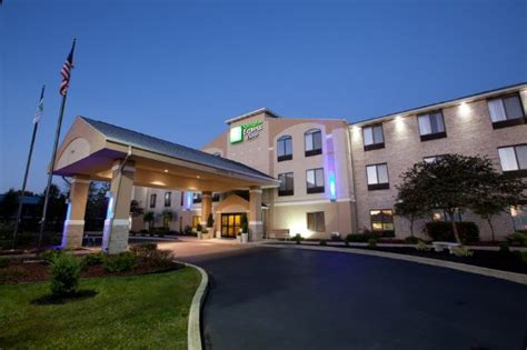 Holiday Inn Express Plymouth (in)