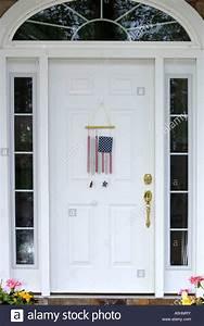 Porte D Entrée Blanche : drapeau am ricain wind chimes accroch sur une porte d ~ Melissatoandfro.com Idées de Décoration