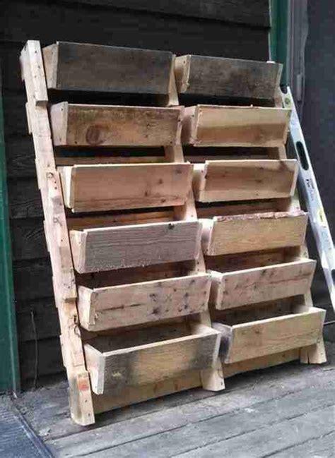 palette de bois a donner les 25 meilleures id 233 es concernant palettes en bois sur projets en bois de palette