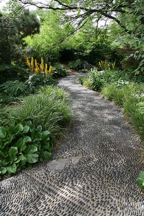pebble garden ideas 32 amazing pebble garden paths digsdigs