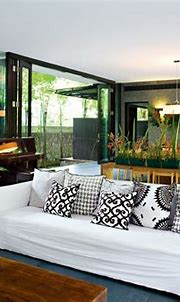 Modern Tropical House Makes Simple Living Stylish ...