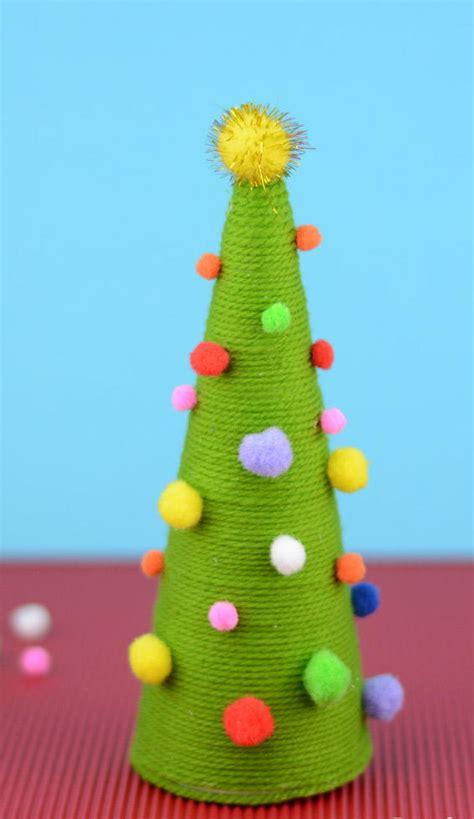 pom pom diy christmas tree favecraftscom