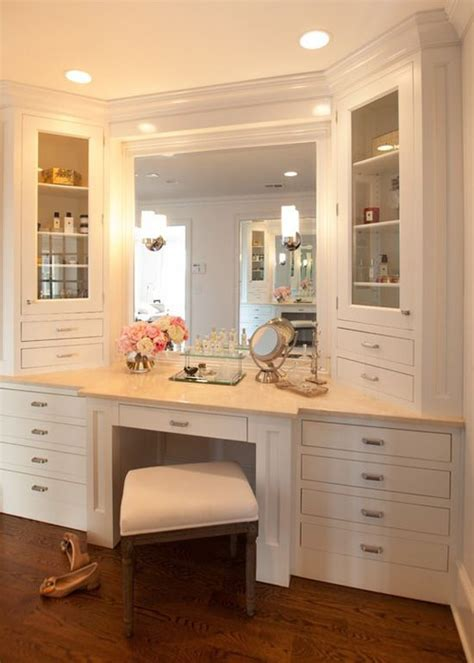 Built In Vanity Cabinets For Bathrooms by Luxurious Built In Makeup Vanity With Extensive Storage