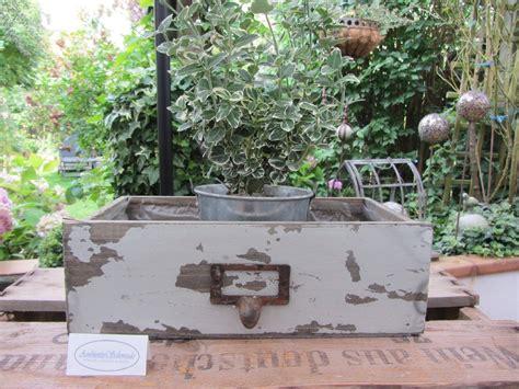 deko garten vintage holz pflanz schublade zum bepflanzen grau deko garten