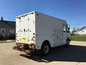Freightliner Mt55  2002    Van    Box Trucks