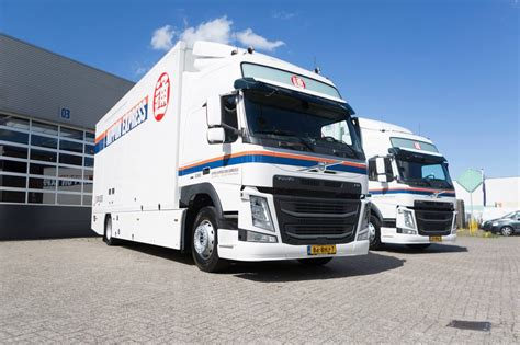 volvo group trucks volvo group truck center completeert vloot nippon express