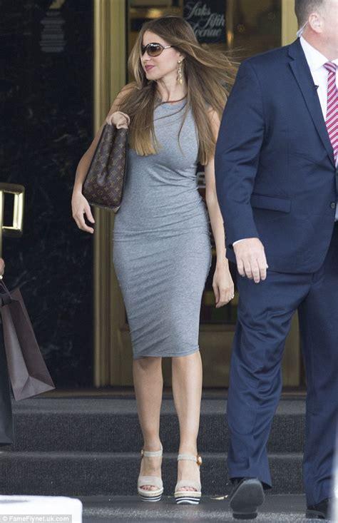 sofia vergara show sofia vergara shows off her famous curves during shopping