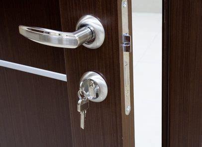 une poignee de porte etapes pour installer une poign 233 e de porte astuces bricolage