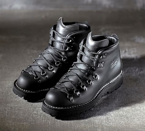 danner mountain light ii danner mountain light ii boots from spectre average joes