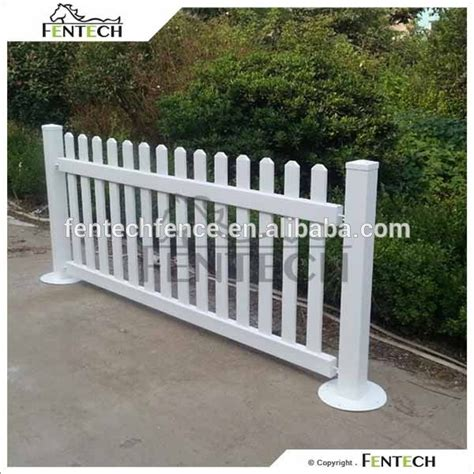 Portable Backyard Fence by Best 25 Portable Fence Ideas On Privacy Wall