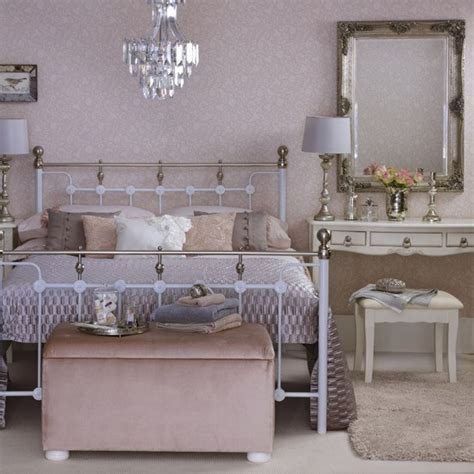 Feng Shui Schlafzimmer Spiegel by Position Mirrors Carefully Feng Shui Bedrooms